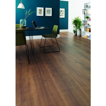Flooring One - Wembury Autumn Oak Laminate Flooring